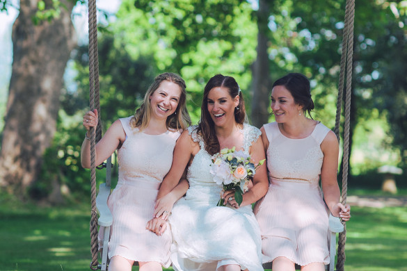 A breathtaking wedding in the country, filled with handmade details