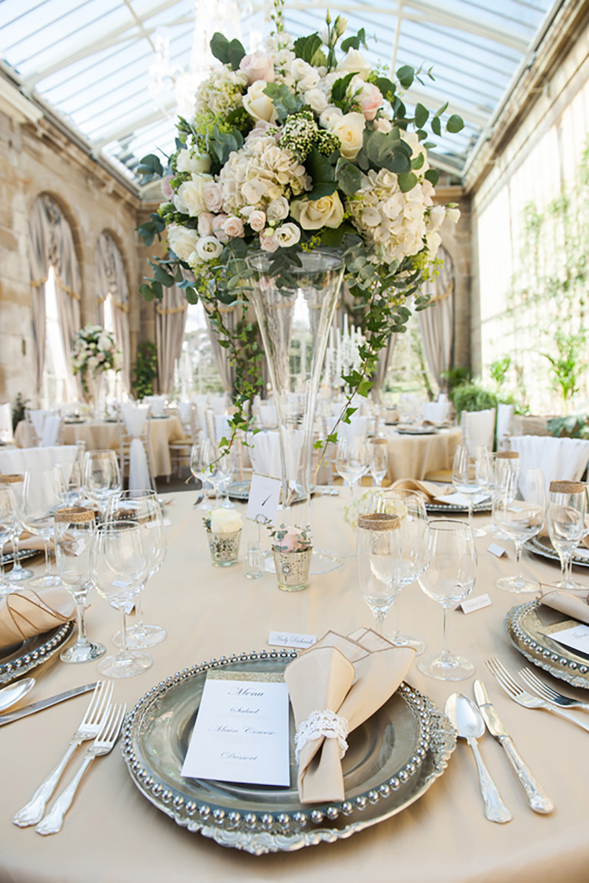 Theme your day – Downton Abbey - Love Our Wedding