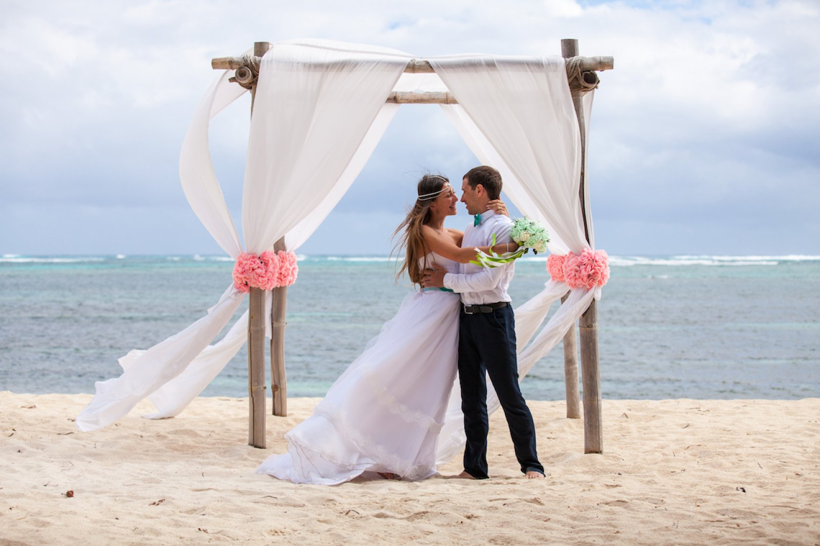 How to plan a destination wedding love our wedding for Plan a destination wedding