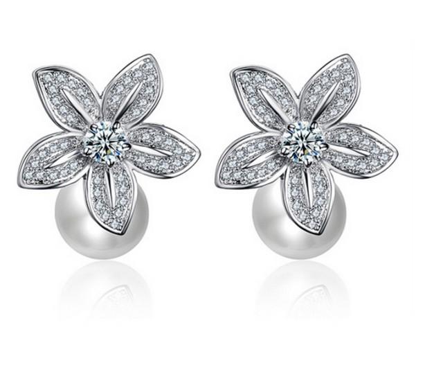 annabelle-pearl-wedding-earrings_enlarge_1