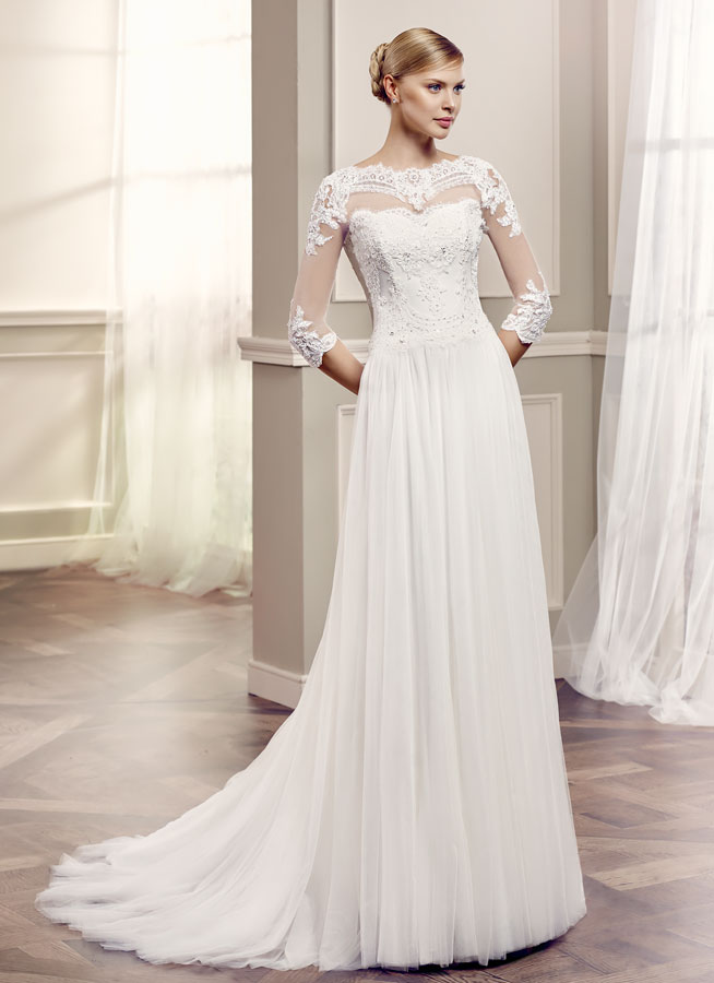 Strictly come dancing in wedding dresses love our for Best wedding dresses for dancing