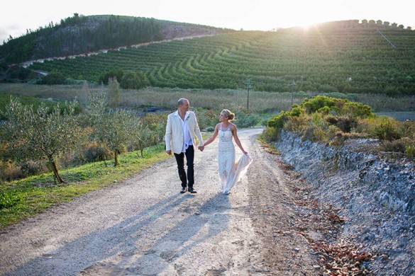A fun and rustic wedding abroad!