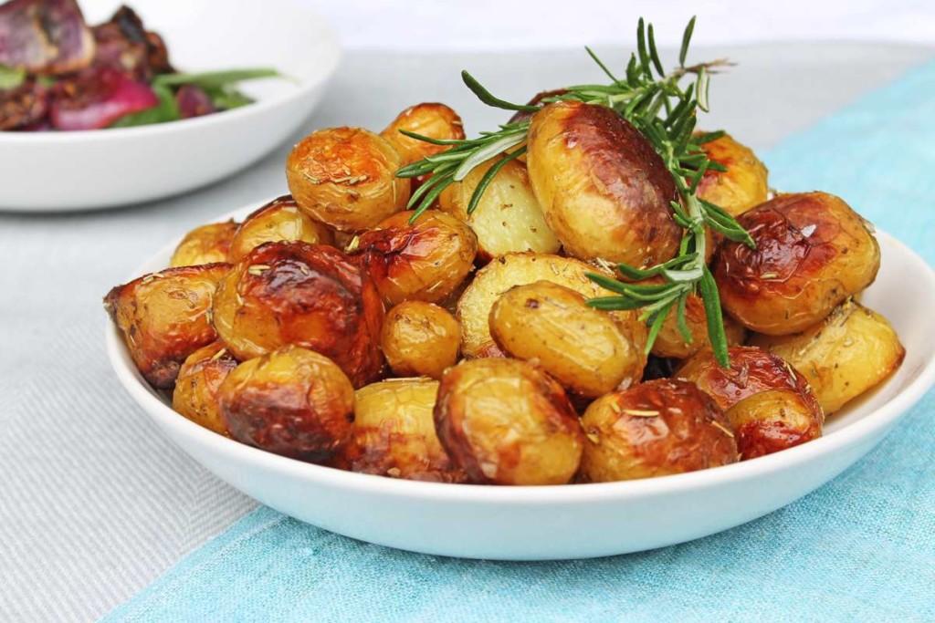 KempandKempcatering.co.uk Italian Food - Crispy Roast Potatoes in Rosemary Oil (4)