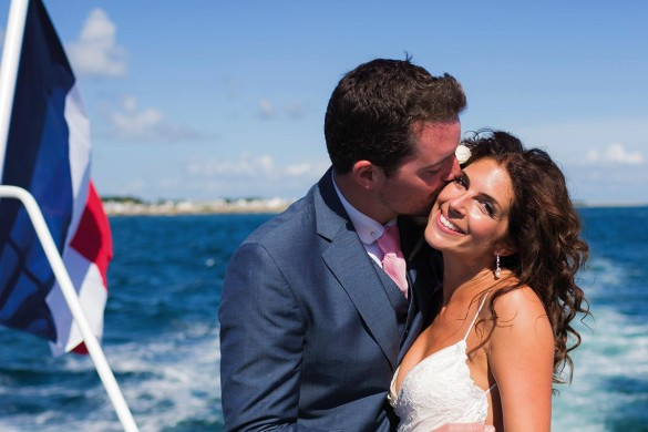 A stunning ceremony on a boat!
