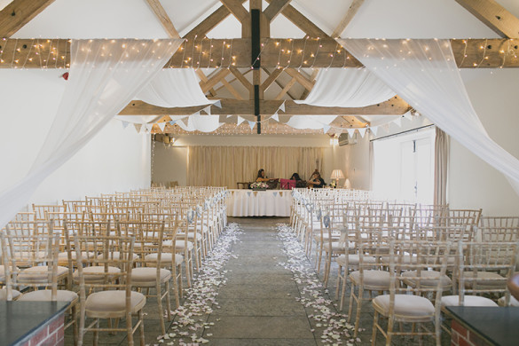 A chic vintage themed wedding
