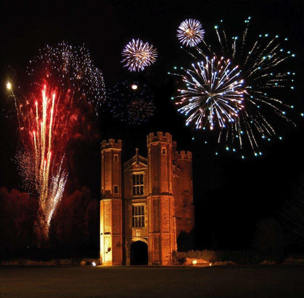 venue_Country House WeddingsLP - Fireworks over Tower