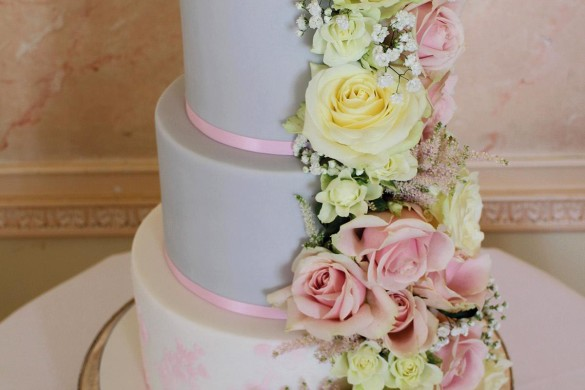 Win your wedding cake!