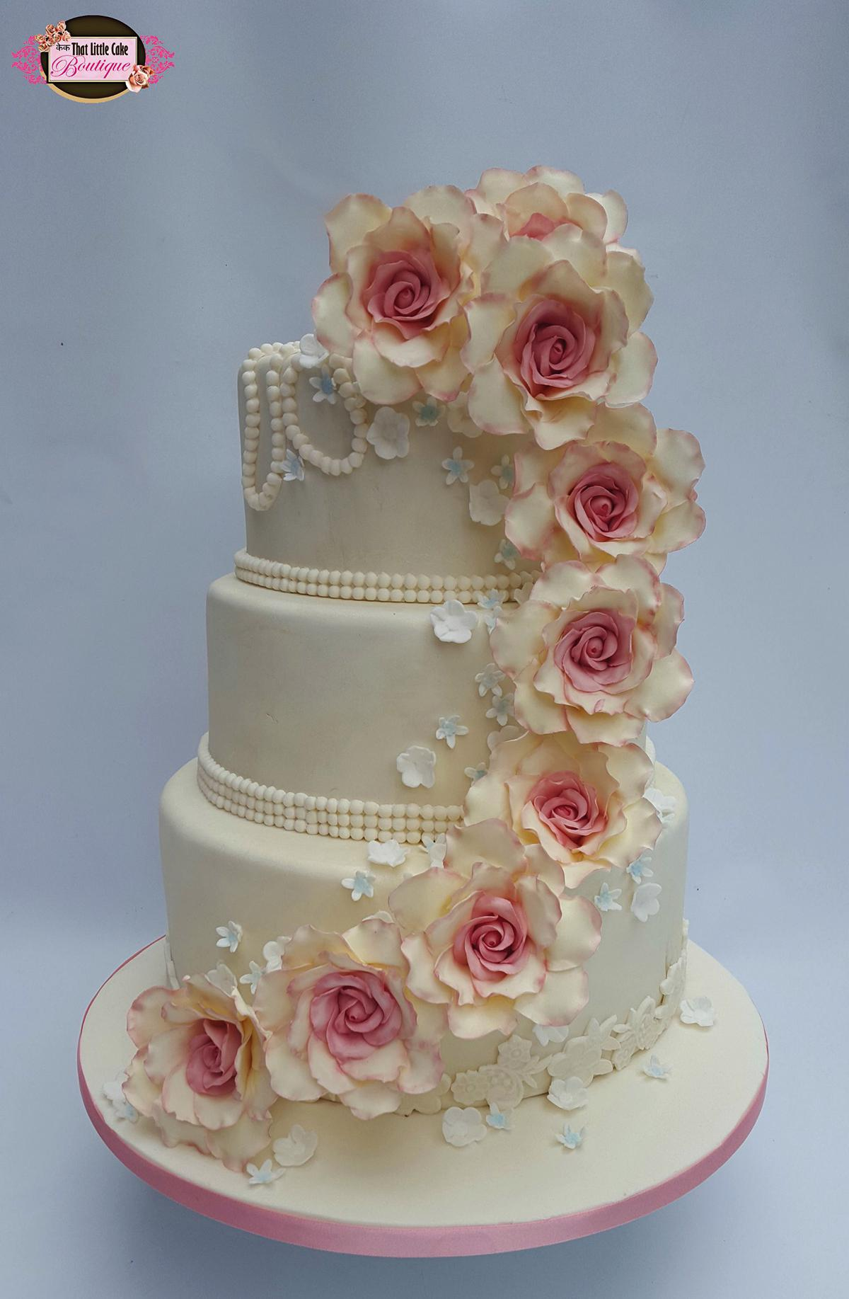 Floral wedding cakes - That little Cake boutique