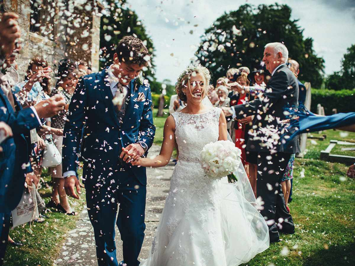 Miss Manners Wedding Etiquette: Don't Miss Out On Your Wedding Confetti Moment!