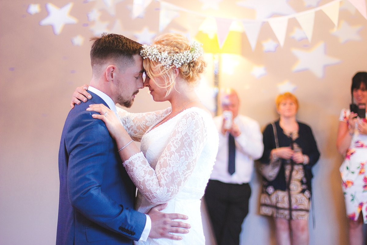 quiz what should your first dance song be love our wedding