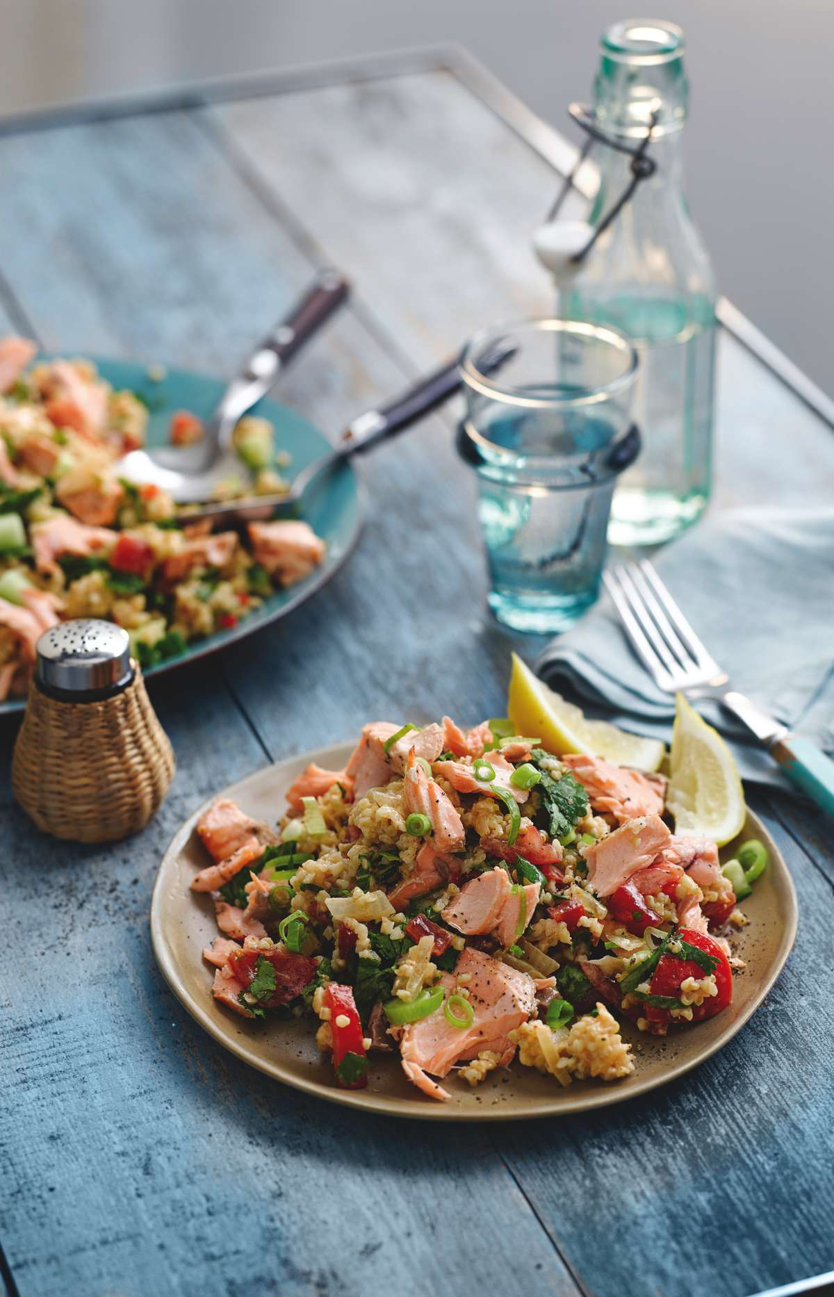 grilled-salmon-tabbouleh_fffeasts