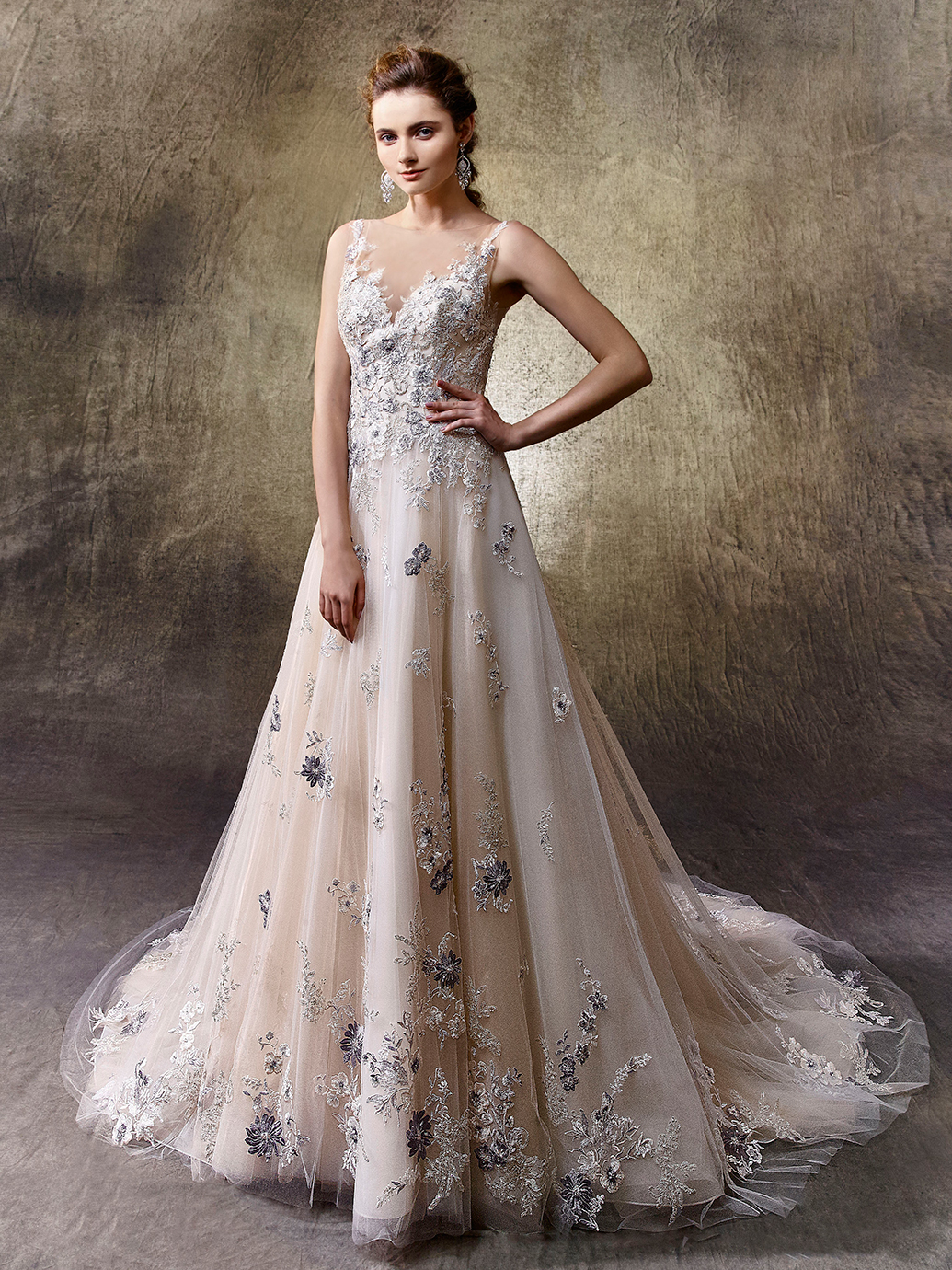 5 non white wedding dresses from enzoani love our wedding for Enzoani fabi wedding dress