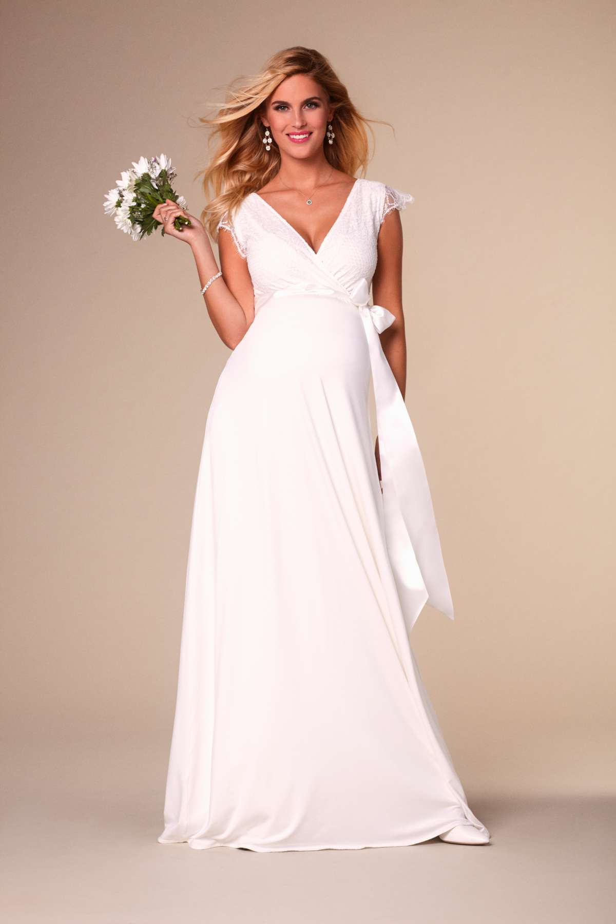 Stunning maternity wedding dresses love our wedding rosa ombrellifo Image collections
