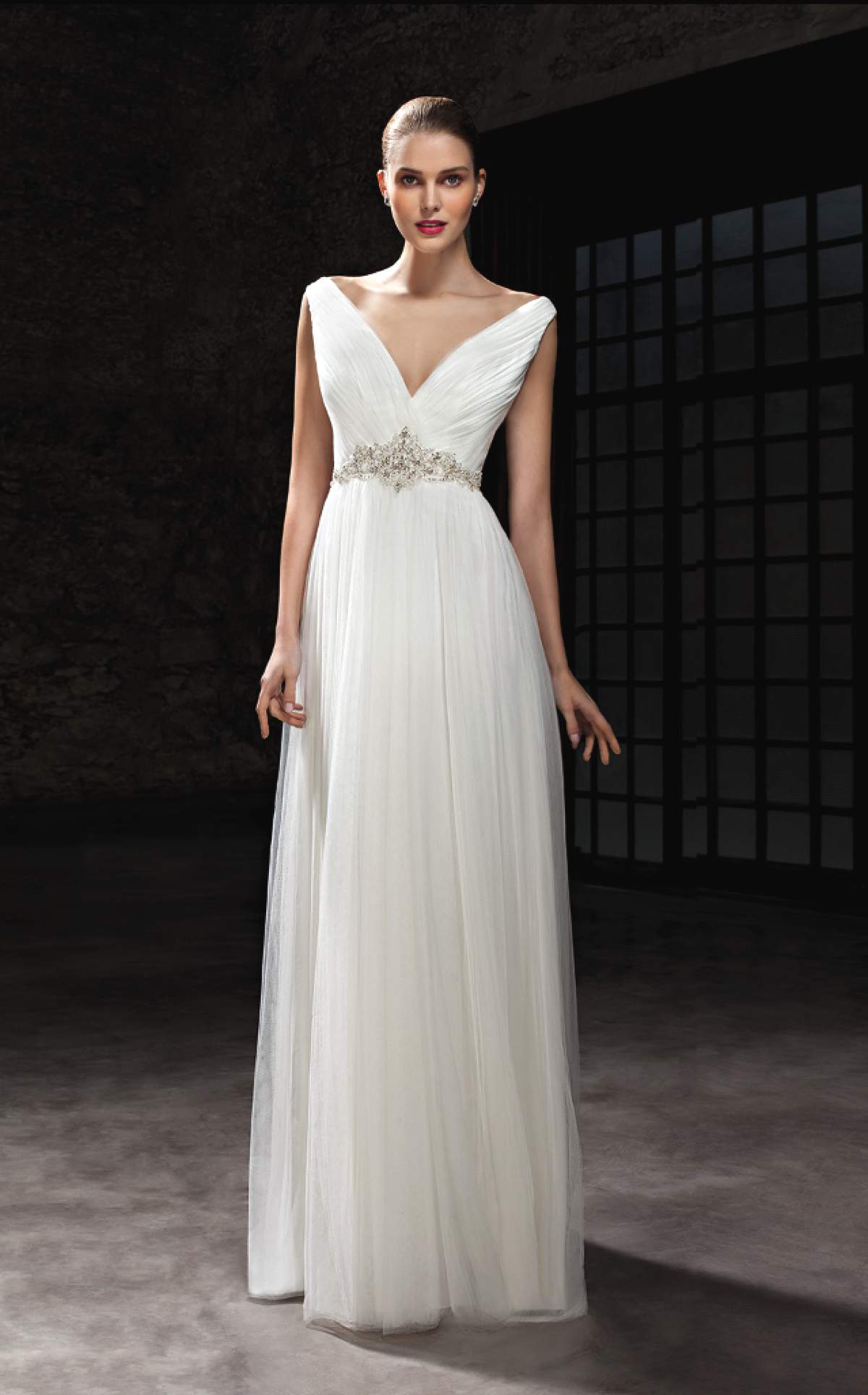 Wedding dresses to suit your body shape love our wedding for Body shaper for wedding dress