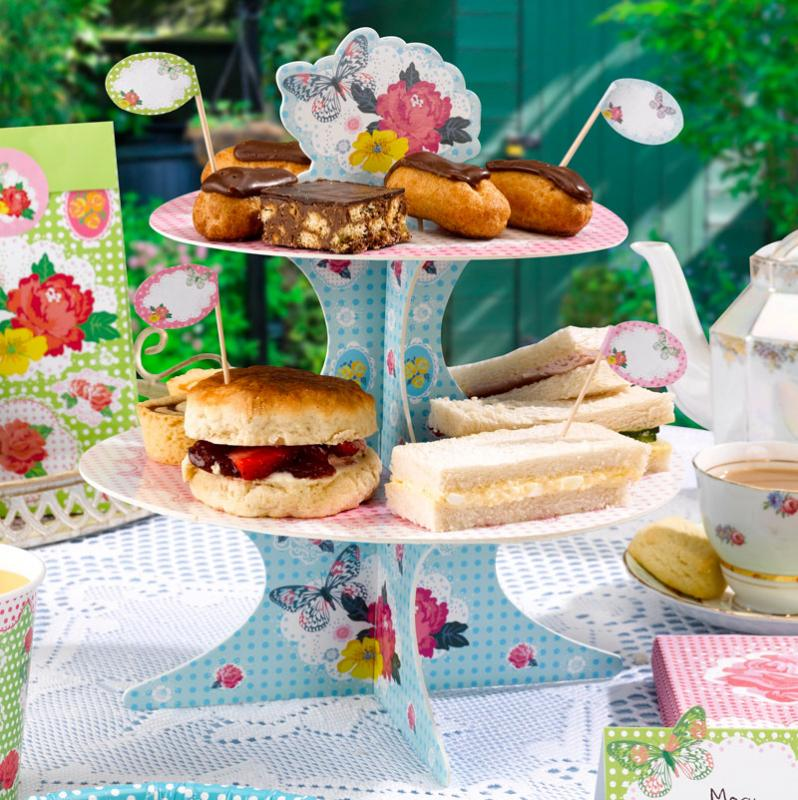Centrepiece ideas - Fancy That Cake Stand On Sale £4.49
