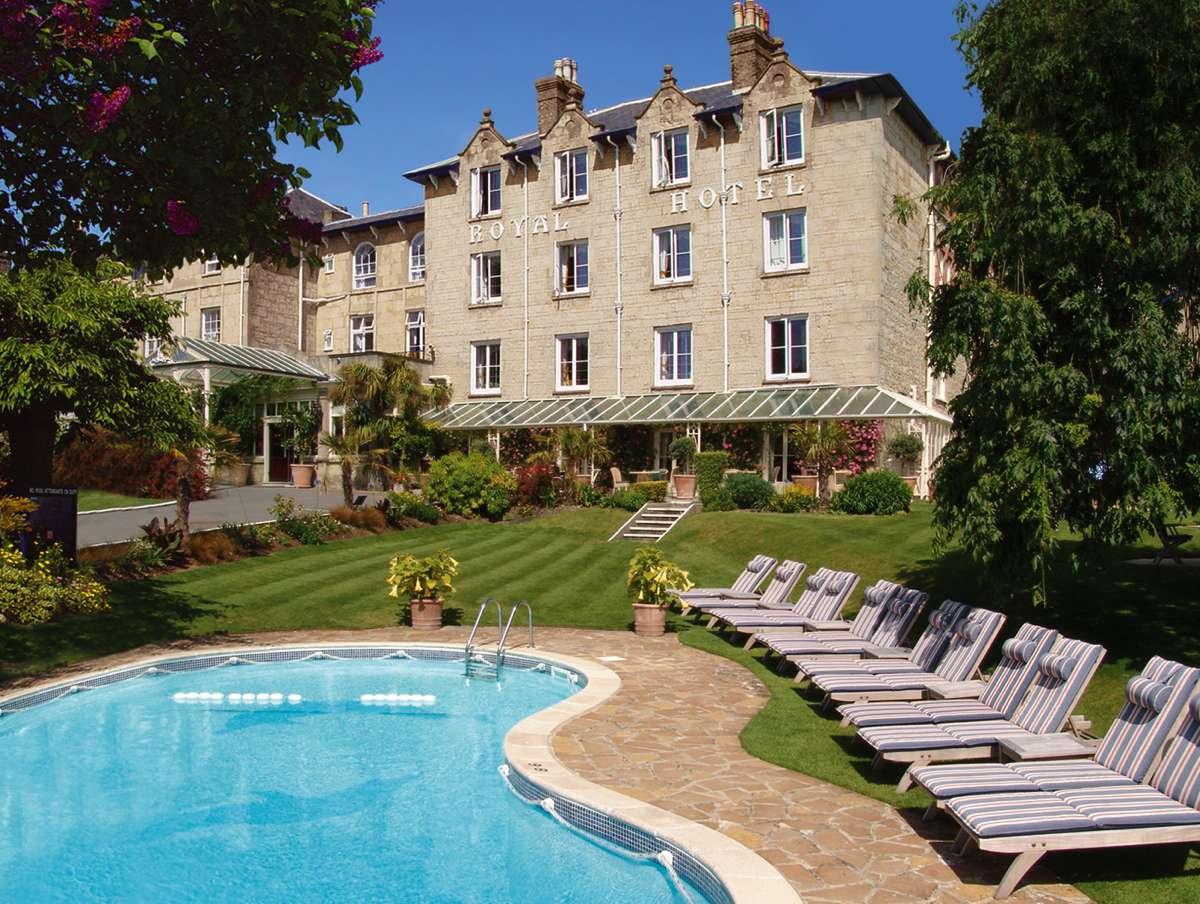 Royal Hotel Pool08