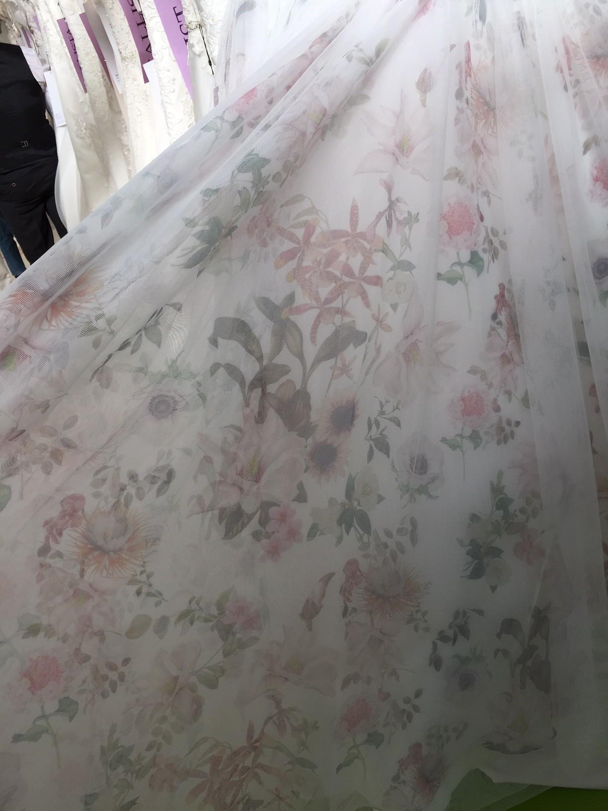 Wedding dress trends - floral