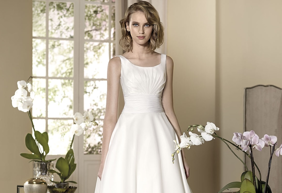 How To Embellish Simple Wedding Dresses: Chic And Simple Wedding Dresses By Cabotine