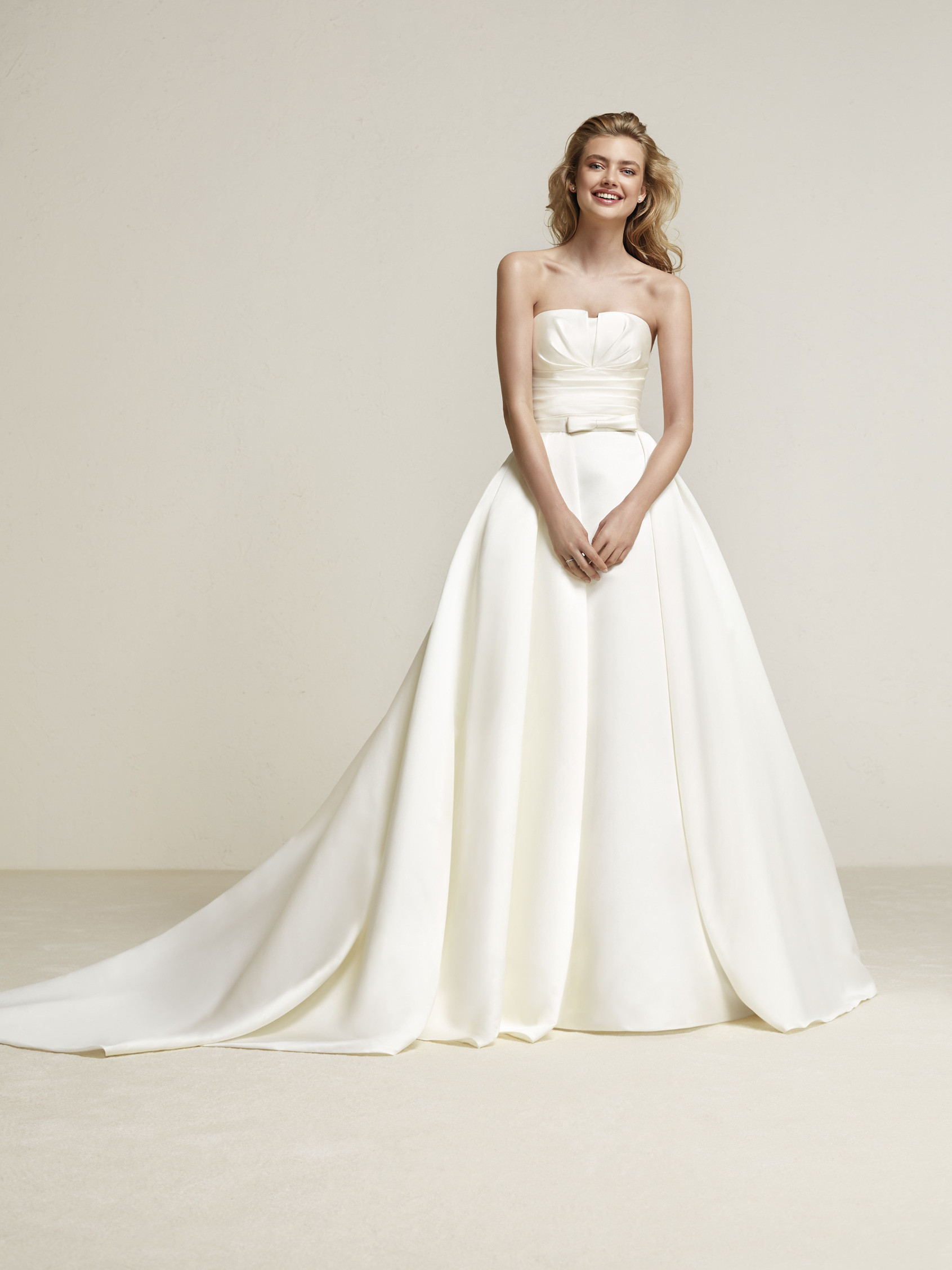 The stunning new Pronovias collection for 2018! - Love Our Wedding