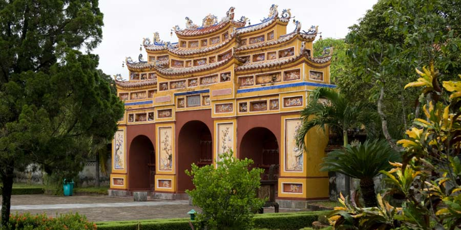 hue-imperial-palace-istock