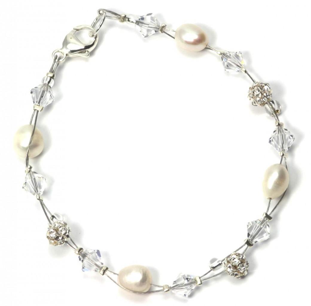 julieannbird.co.uk Allure Flower Bracelet ú31.00