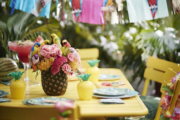 Tropical wedding theme Talking Tables feat