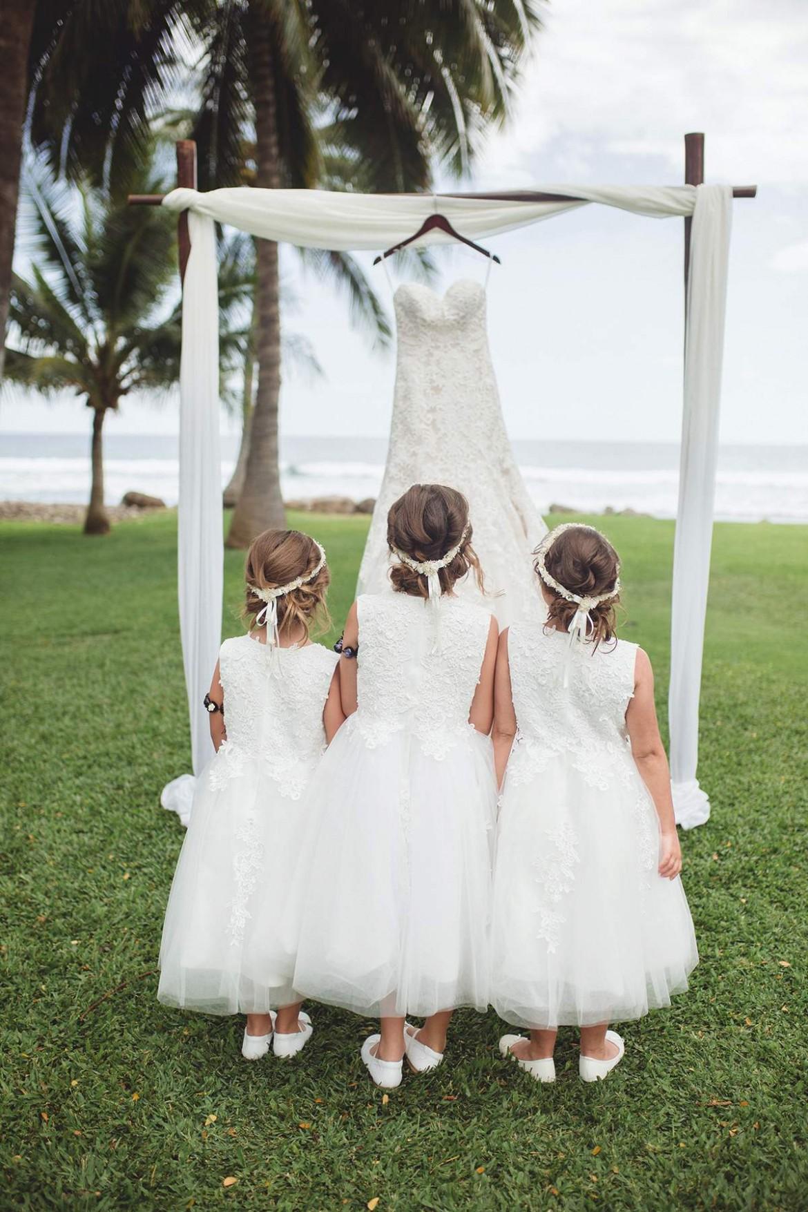 A fabulously rustic, beach-themed wedding in Hawaii - Love Our Wedding