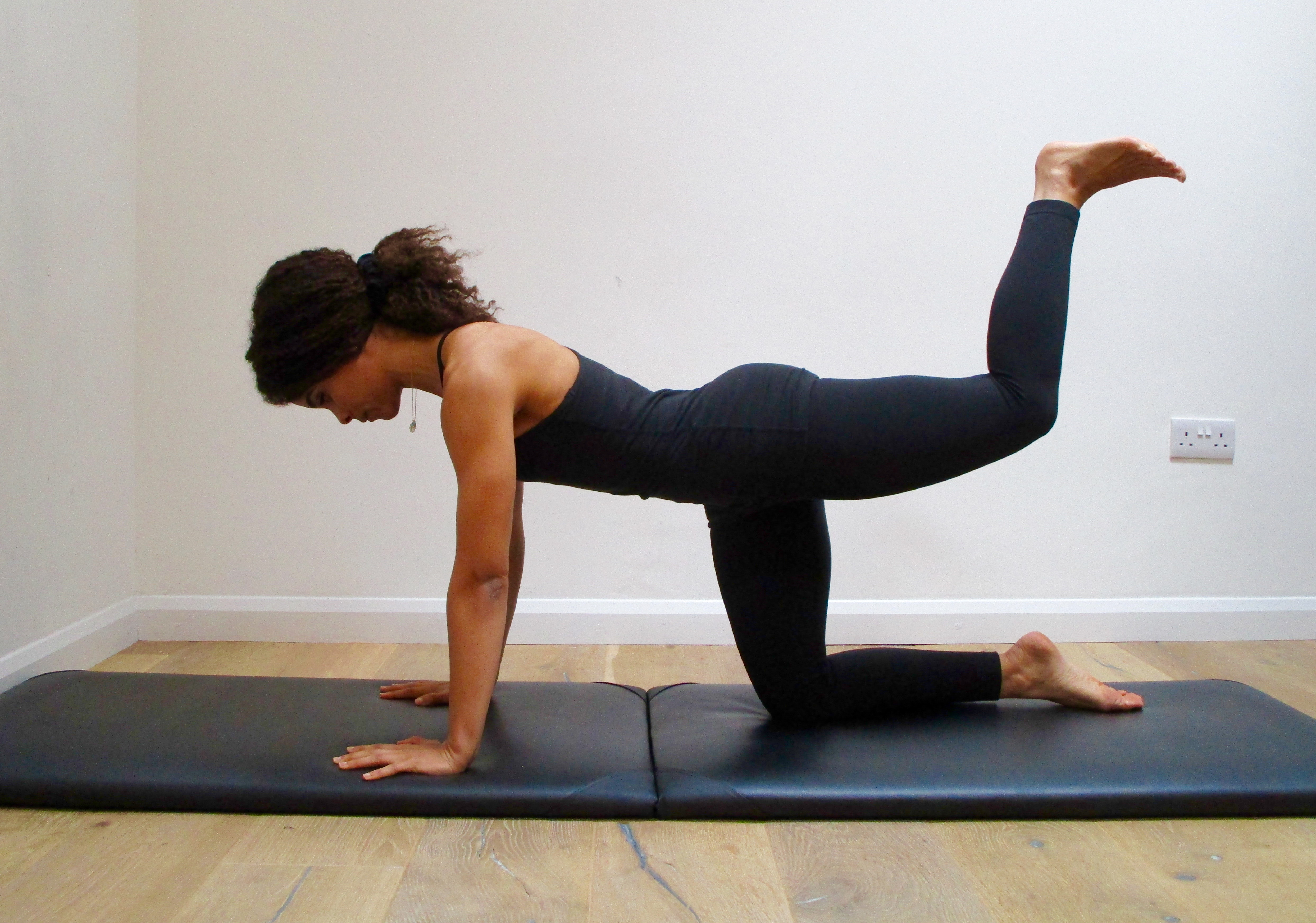 Core Exercises: Four-Point Balance pictures