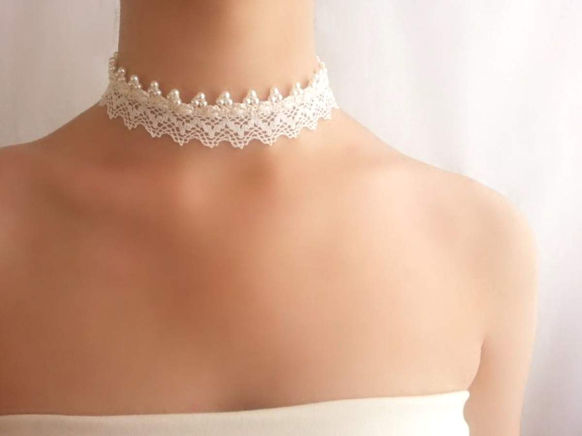 lace-pearl-necklace-ivory-bridal-choker-romantic-necklace-vintage-style-choker-wedding-elegance-retro-pearl-necklace-statement