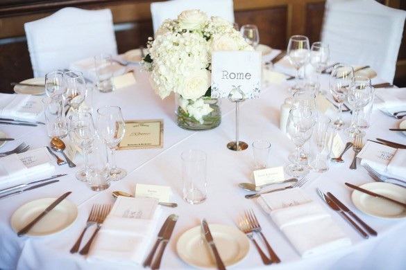 A minimalist and elegant real wedding…