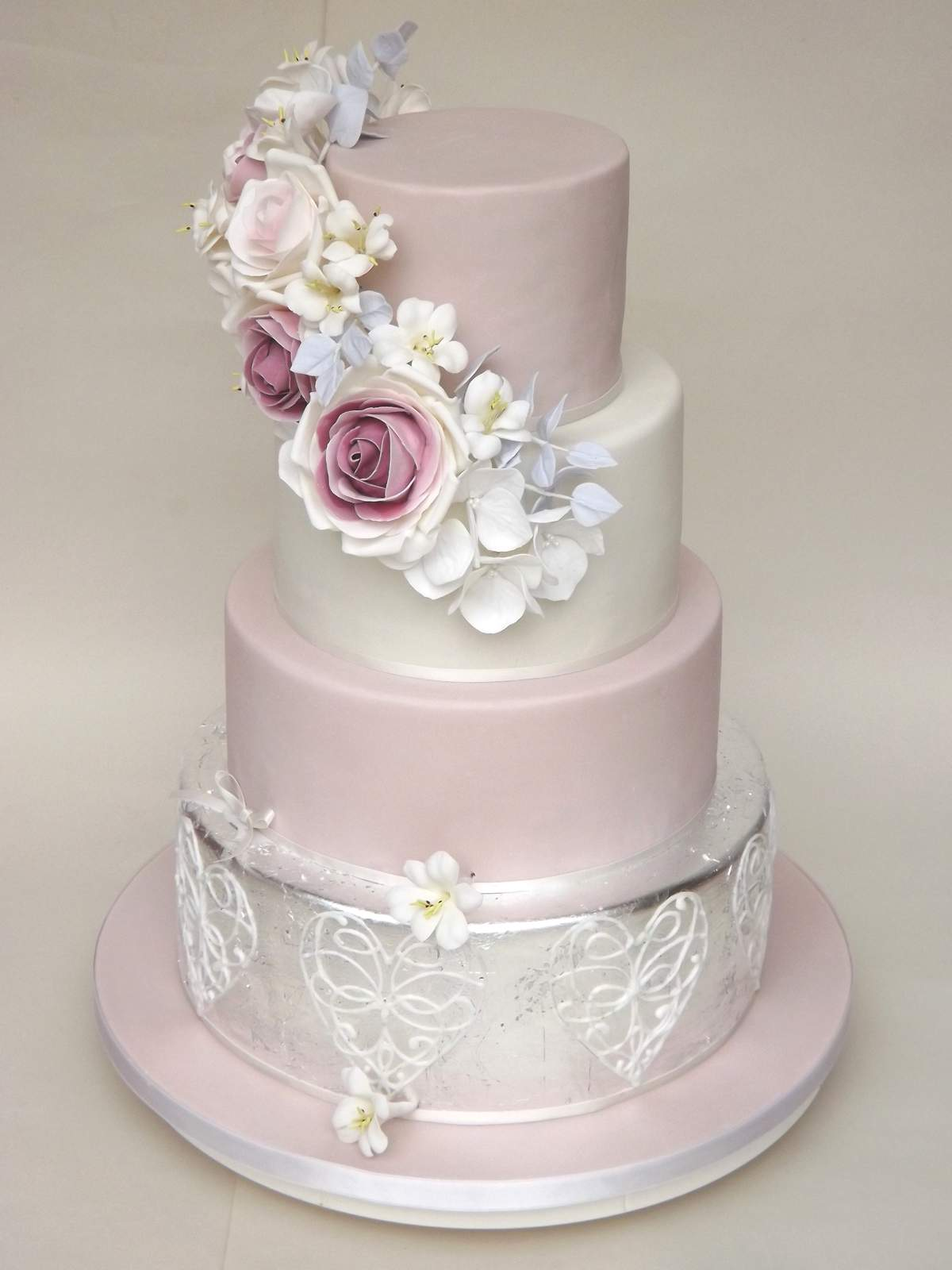 weddingcakesberkshire.com