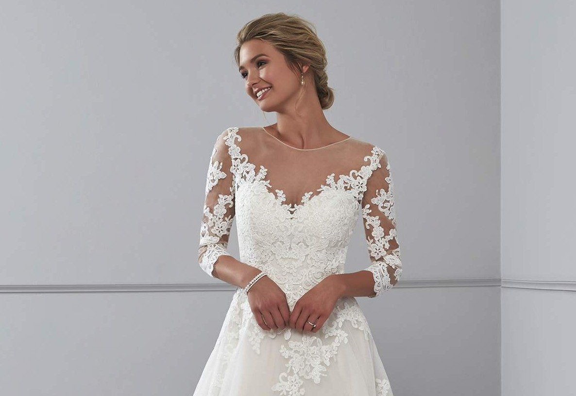 a077fdfb01e Gorgeous lace wedding dresses from Romantica - Love Our Wedding