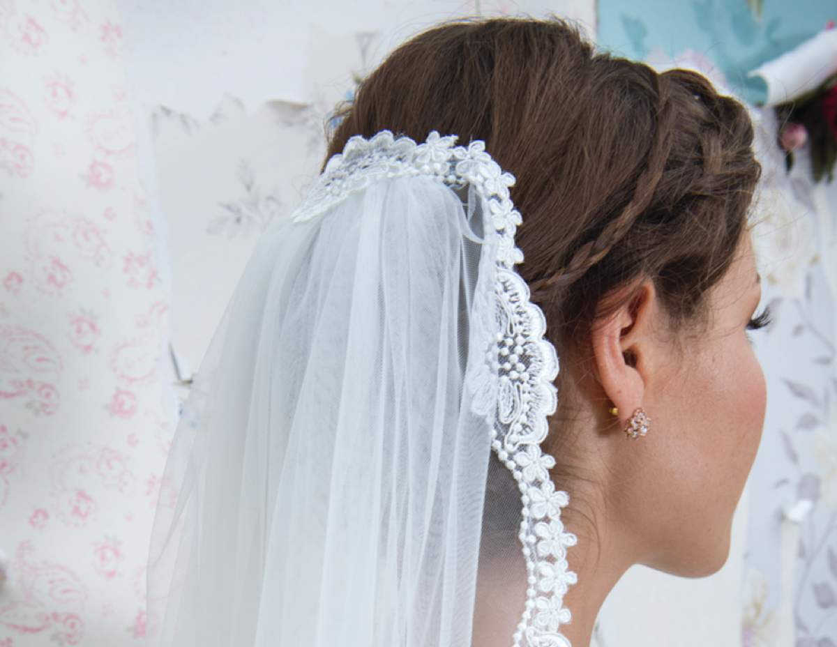 Beautiful bridal veils from Rainbow Club - Love Our Wedding