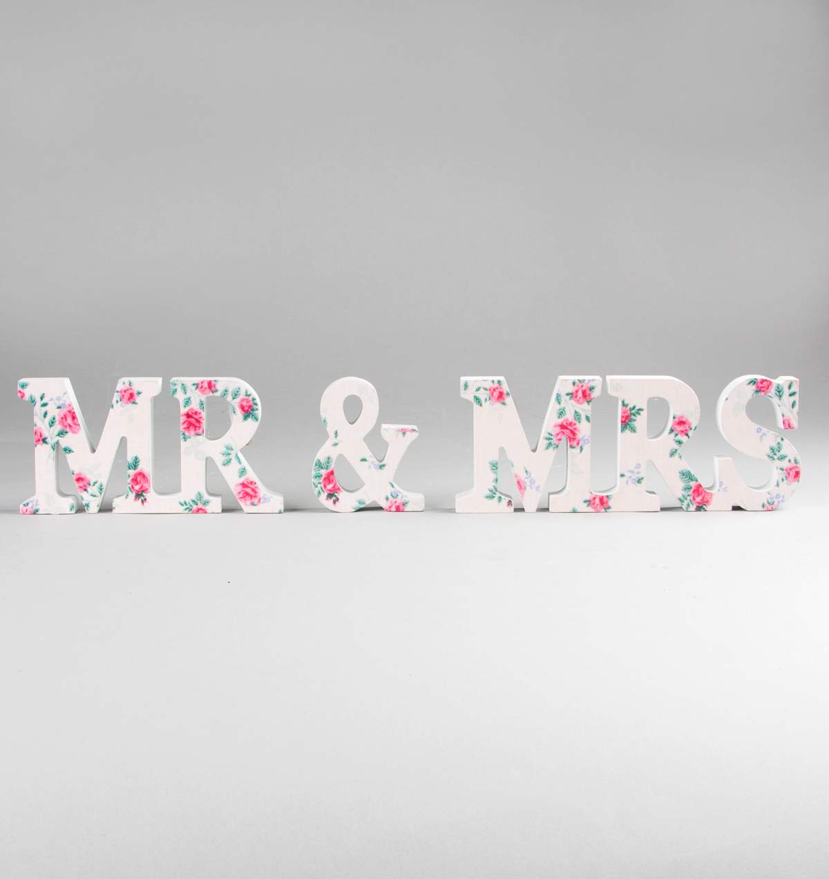 MR & MRS Pretty Floral Sign ú9.50 The Wedding of my Dreams