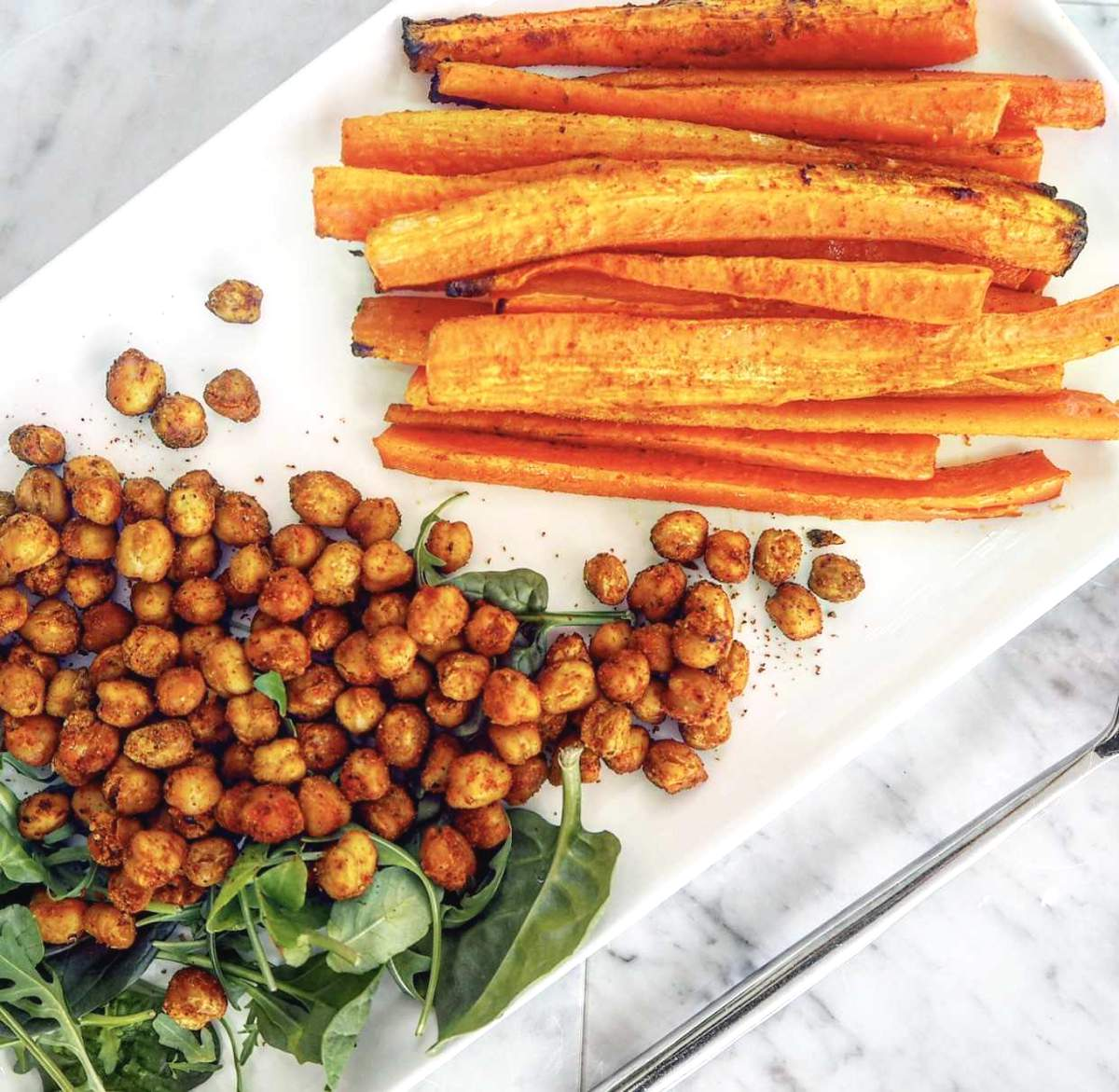 Roasted carrots and chickpeas side dish (1)