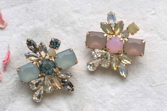 vintage-inspired accessories