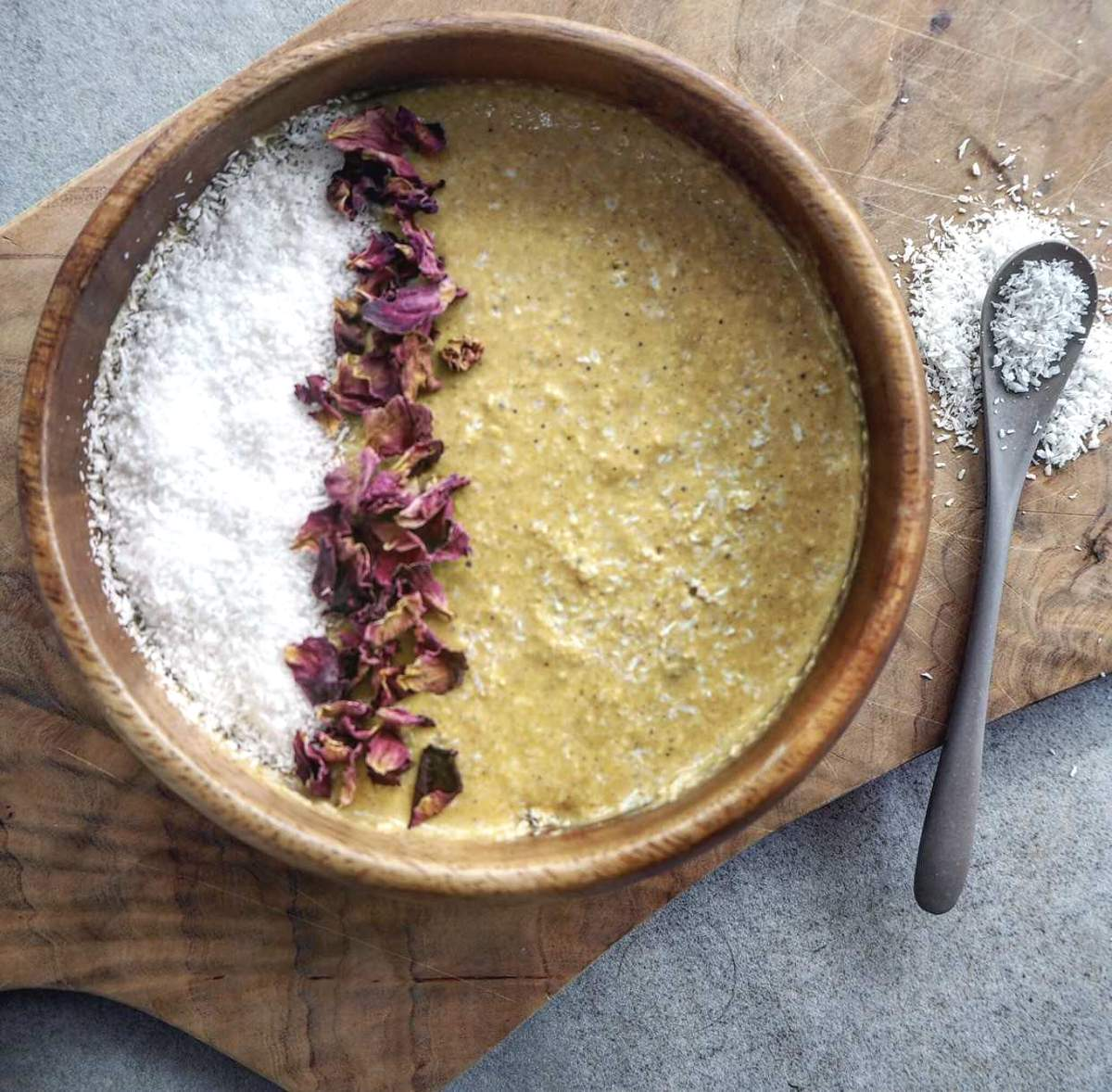 turmeric and coconut smoothie bowl