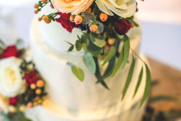 An autumn wedding full of wonderful colour
