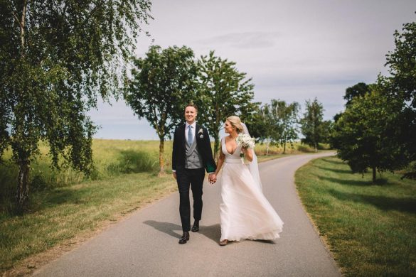 An elegant and relaxed barn wedding