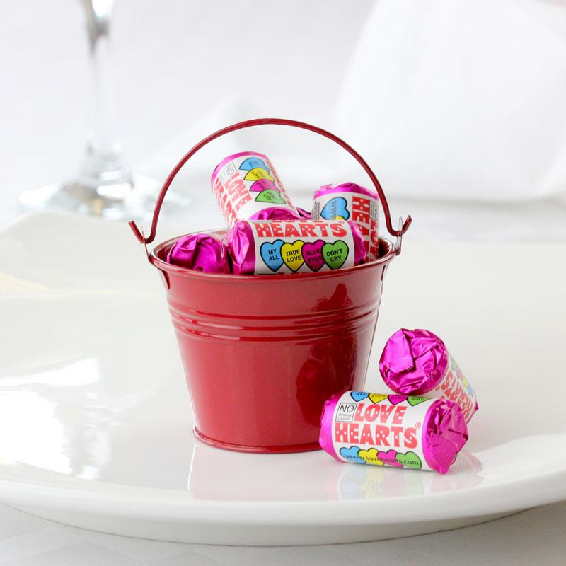 Valentine's wedding ideas - wedding mall pail 95p