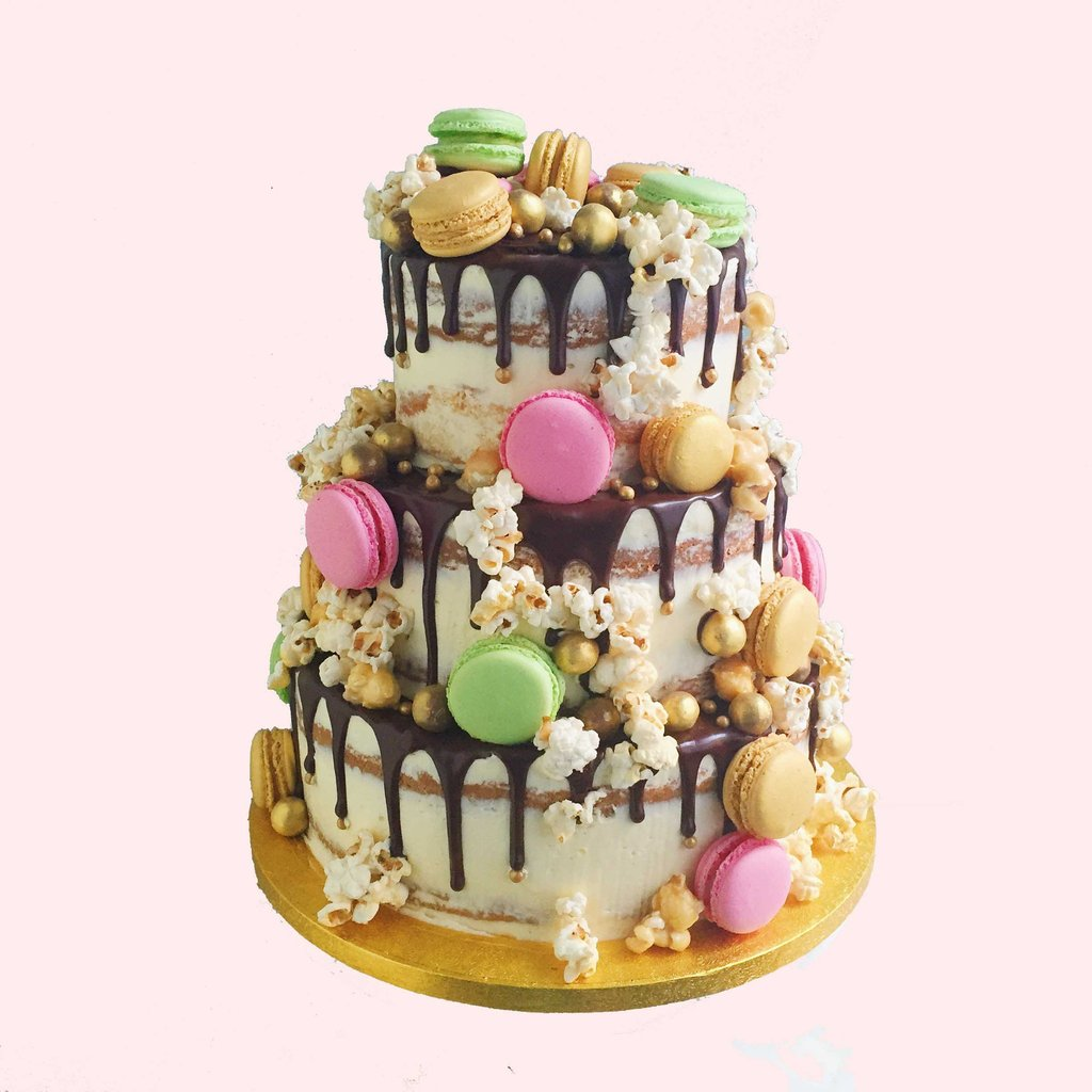 angesdesucre.com £140 rustic chic macarons and perals vintage wedding cake