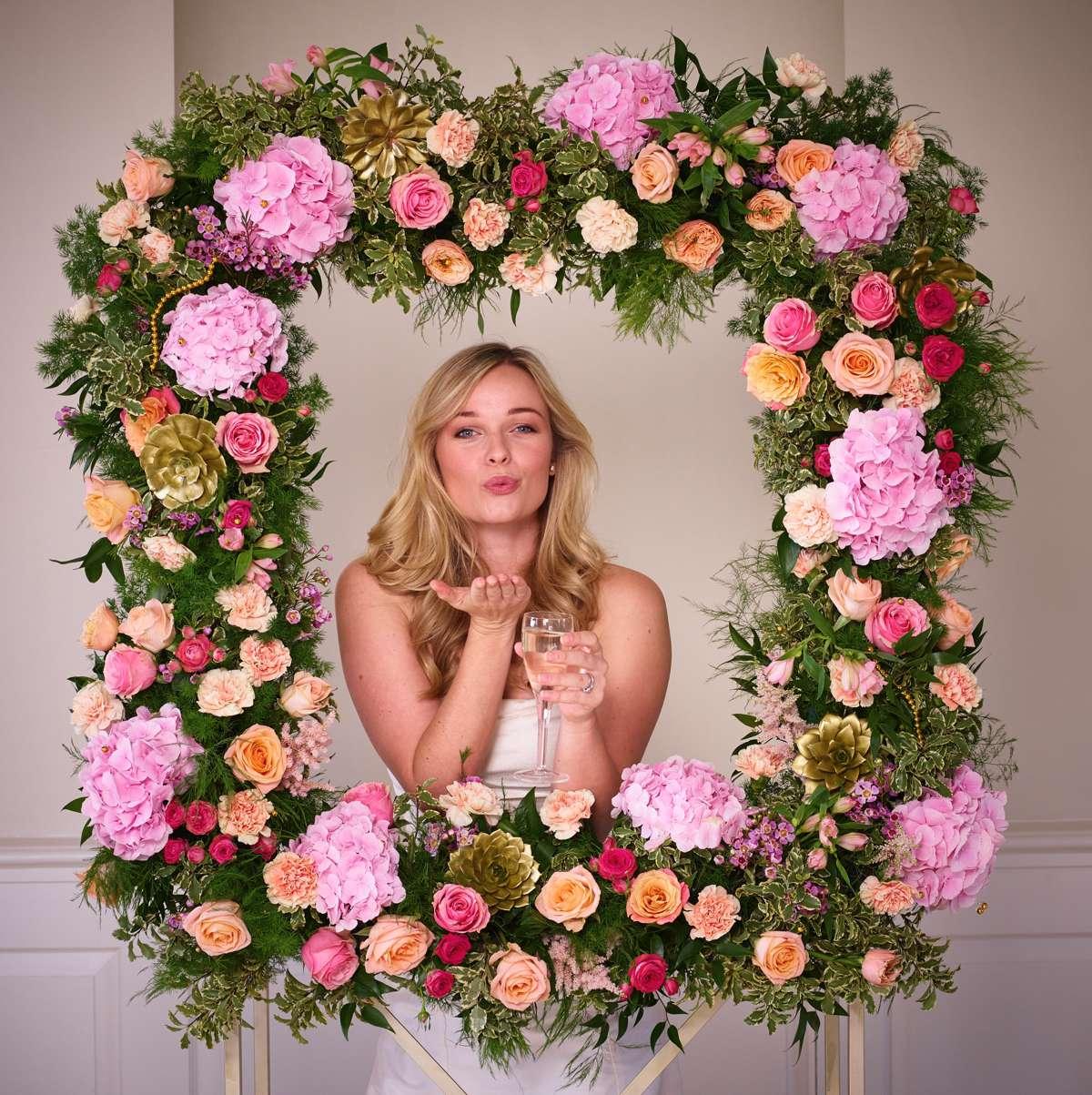 Interflora-Wedding-Inspired-Shoot-Glittering-Gold-Decor-Frame
