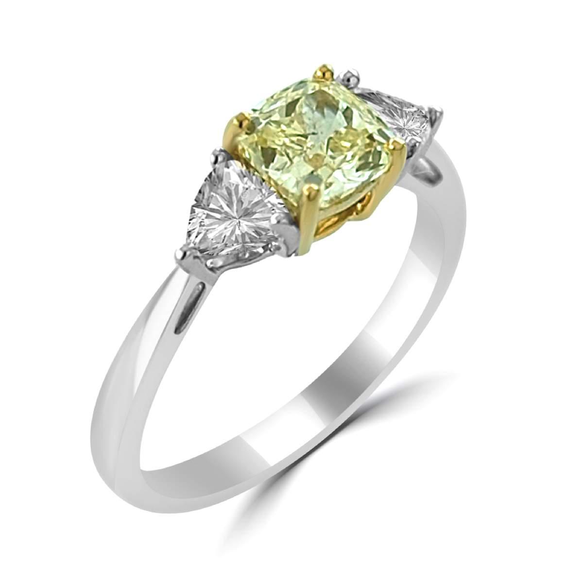 154Ct Yellow Cushion Cut and Trillion Diamond Three Stone Ring In 18K Yellow Gold (1)