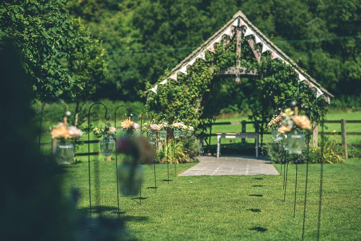 outdoor weddings
