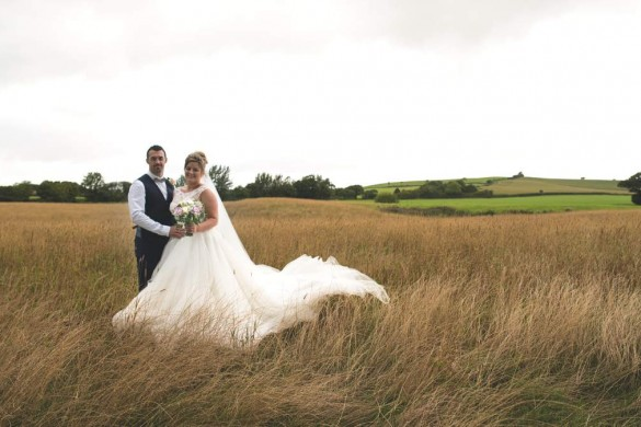 A lovely-in-lilac real wedding…